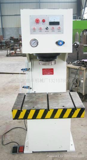 山东YL41-40吨单柱液压机参数滕州盛丰 1