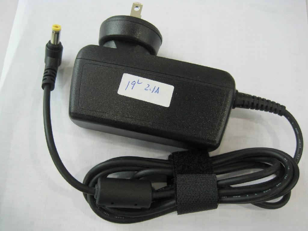 新款宏基 19V2.1A 插牆式充電器  2