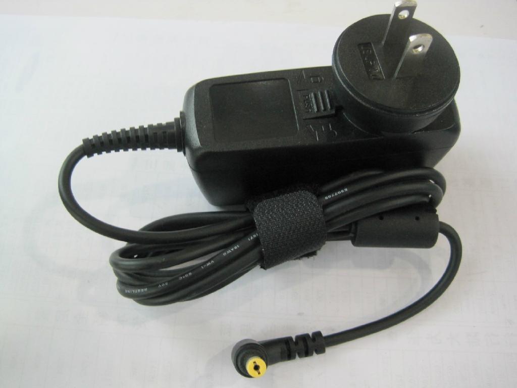 新款宏基 19V2.1A 插牆式充電器  5