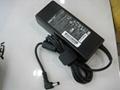 東芝19V4.74A 90W筆記本電源充電器 1