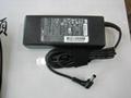 東芝19V4.74A 90W筆記本電源充電器 2