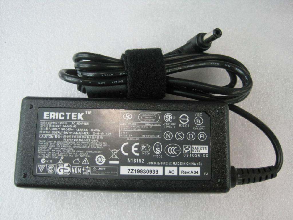 东芝19V3.42A 65W笔记本电源充电器 4