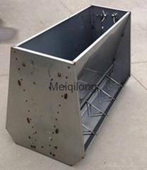 Stainless steel pig feed