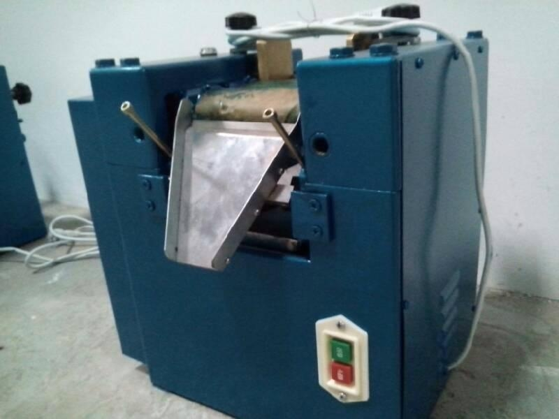 S260型三辊研磨机 3