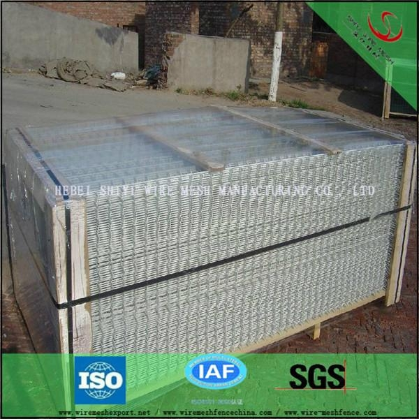 PVC coated welded wire mesh fence design manufacturer and low price 3