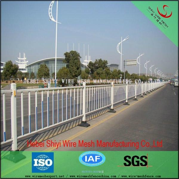 Pvc coated and galvanized garden fence 20 years factory and manufacturer 1