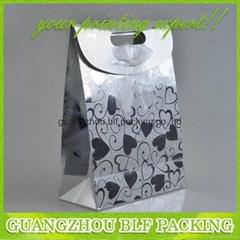 China cheap custom paper shopping bags