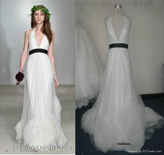 Deep V Belt Black Gauze Flower Small Tail Wedding Dress