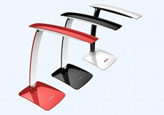 Dimmable LED desk lamp
