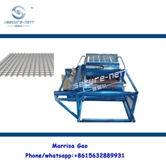 Automatic welded mesh panel machine to make fence
