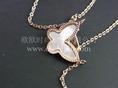 精緻貝殼鑲嵌蝴蝶項鏈