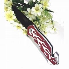 不鏽鋼折疊刀帶有鋸齒刀片
