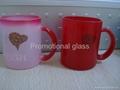 11oz red change colour glass mug with handle 1