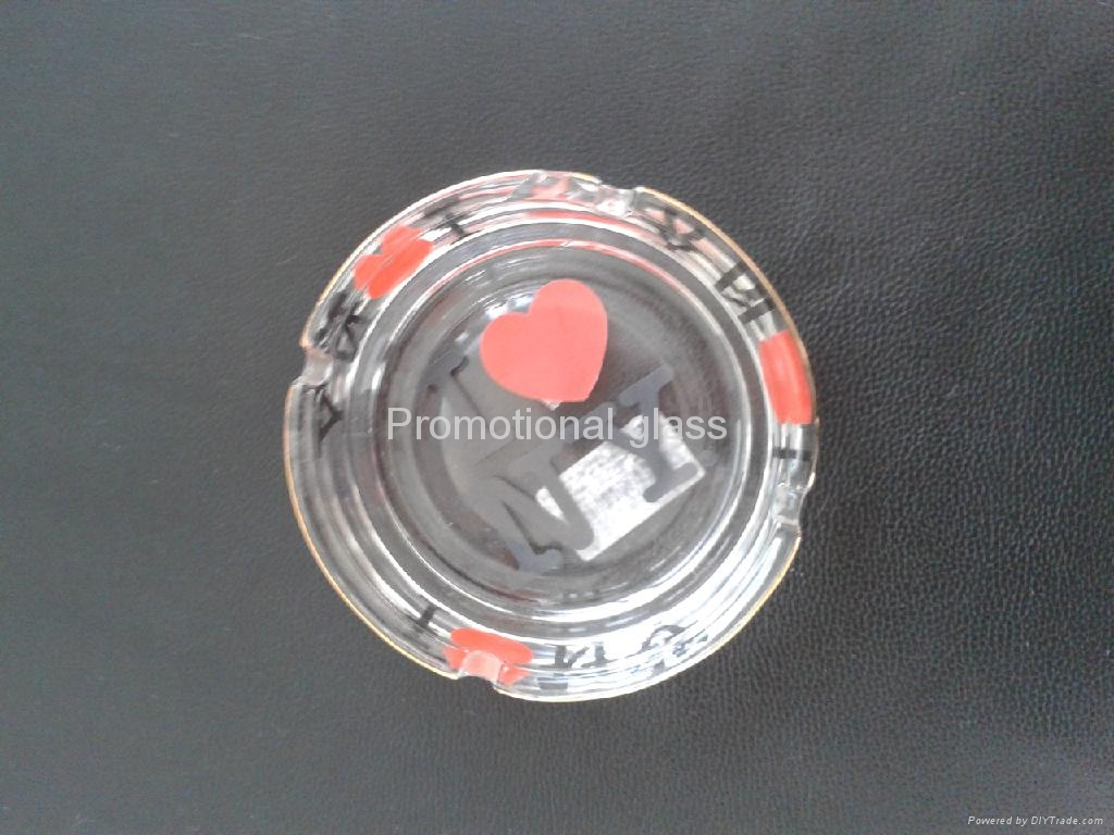 clear glass ashtray  6