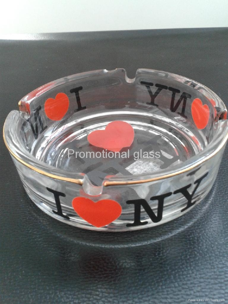clear glass ashtray  4