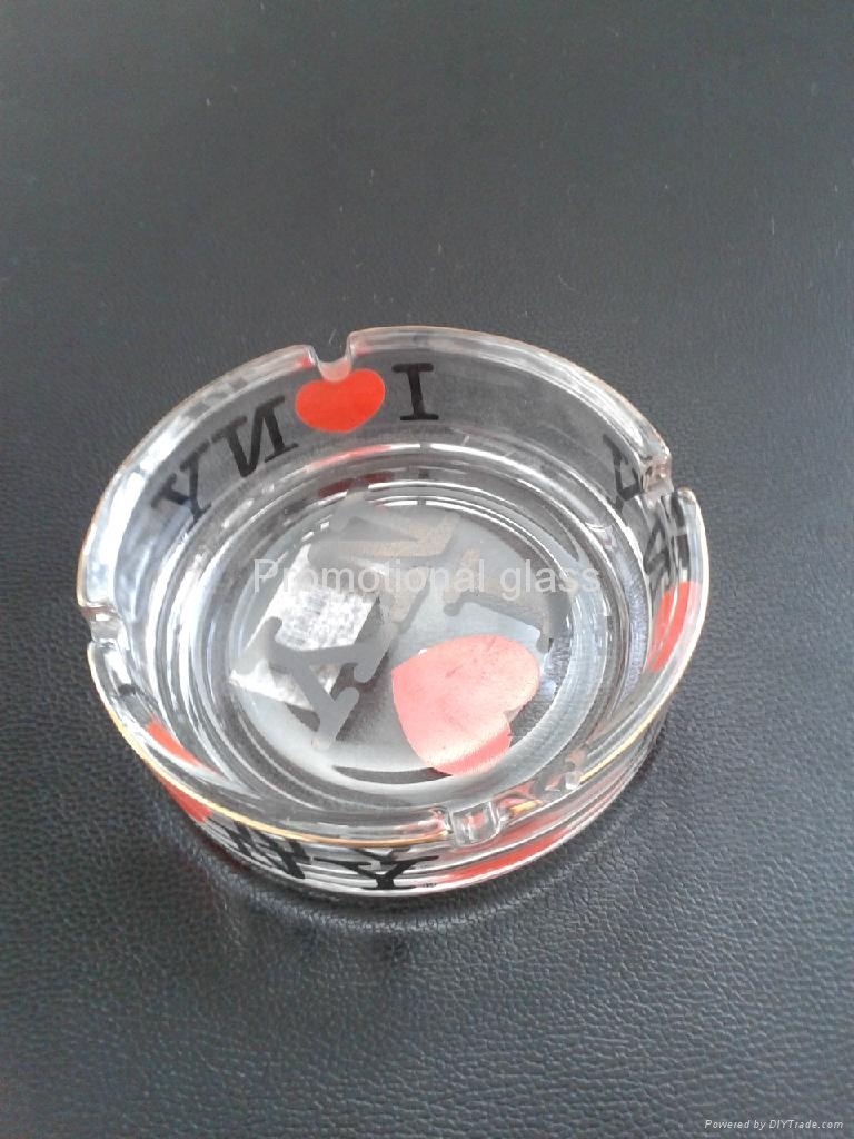 clear glass ashtray  5