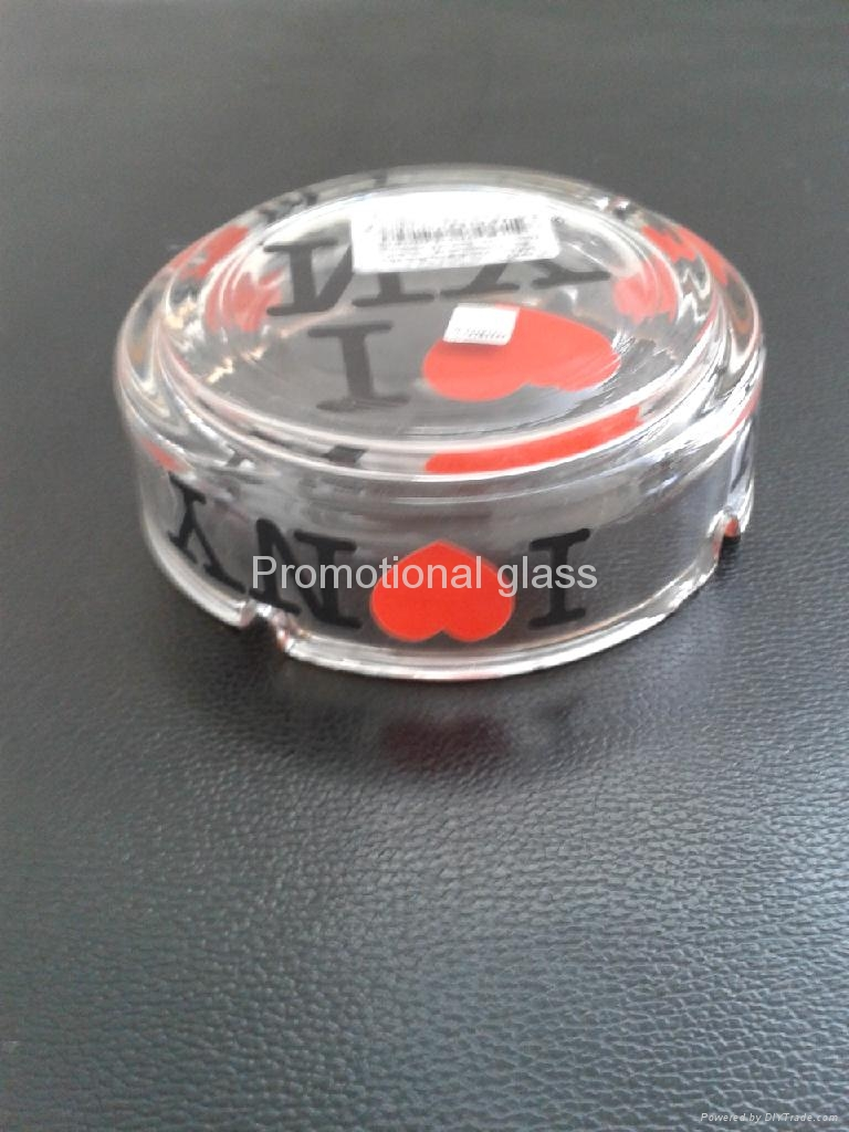 clear glass ashtray  8