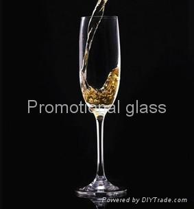 Champagne glass 4