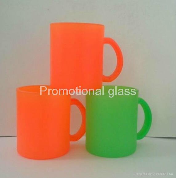 11OZ Sprayed  glass mug with handle 1