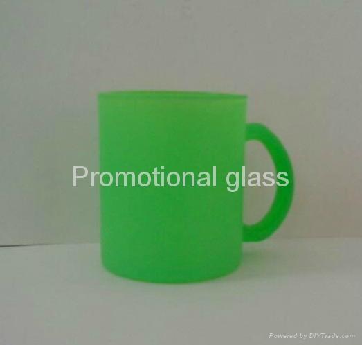 11OZ Sprayed  glass mug with handle 4