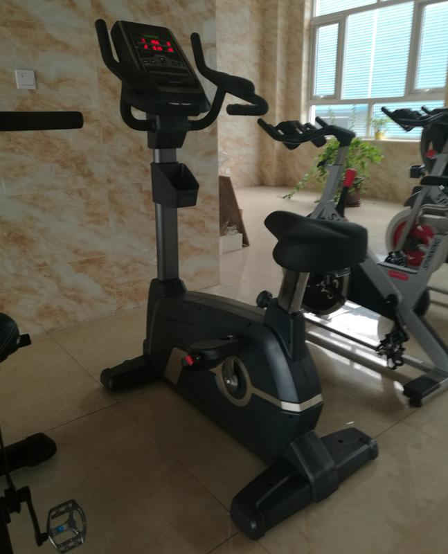 Indoor Magnetic Exercise Bikes Commercial Upright Bikes Magnetic Trainer 2