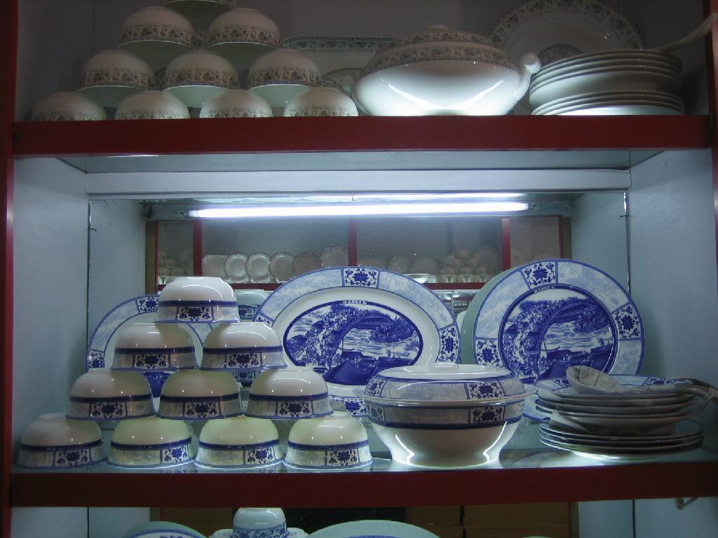 青花玲珑陶瓷餐具  4