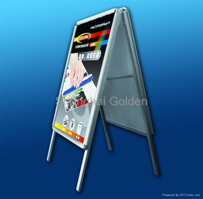 Poster stand 1