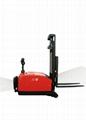 平衡重式电动堆高机CDD15-970/CDD16-970 1