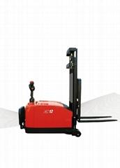 平衡重式电动堆高机CDD15-970/CDD16-970