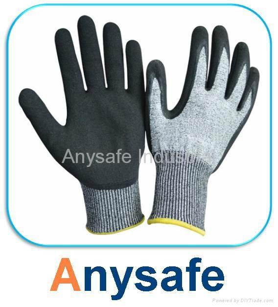 Cut resistant gloves - 13G HPPE liner with sandy nitrile coating 1