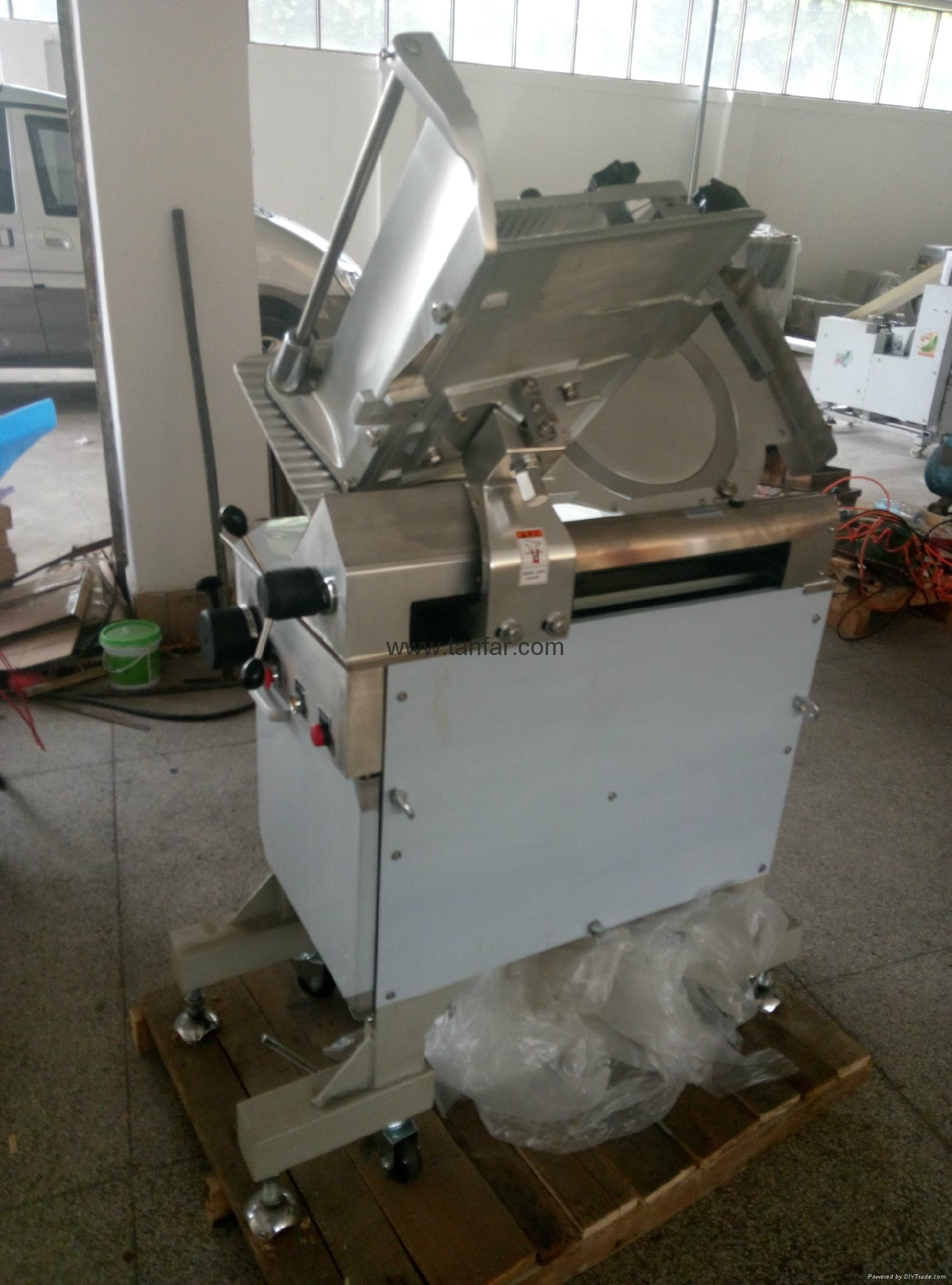 Suzumo SVC-ATC (Automatic Sushi Rolls Cutter) 13