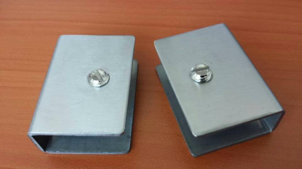 aluminium glass clip 2