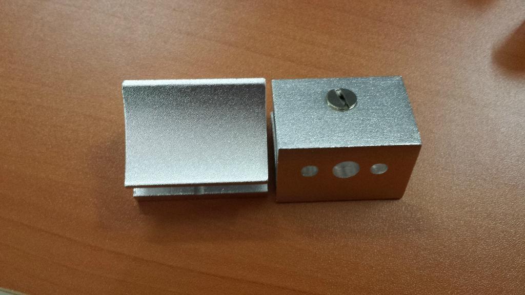 aluminium glass clip 3