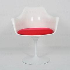 鬱金香餐椅