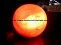 月亮鹽燈或球鹽燈