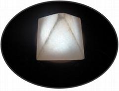 USB金字塔鹽燈