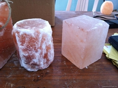 Himalayan Salt Licks for Horses & Animals   Животное Соль поток   الحيوان سولت ا