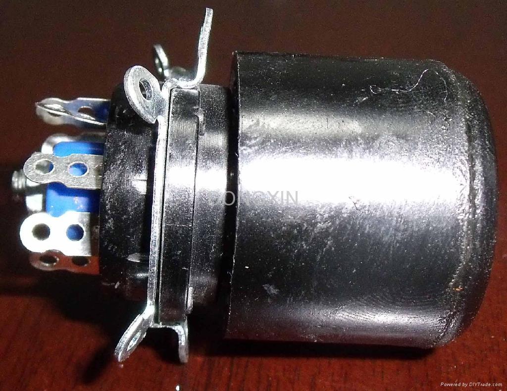 TS-8-1 八腳測試管座 2