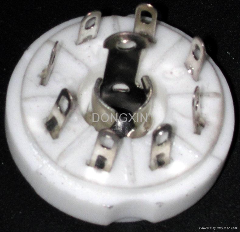 GZC8-Y-8-1型瓷质八脚管座 1