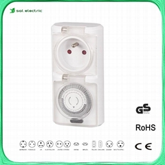 Outdoor mechanical plug timer socket