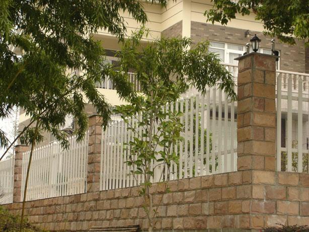 成都崇州PVC护栏塑钢围栏 2