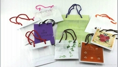 String gift bags