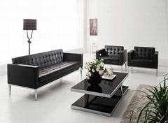 黑色真皮沙發