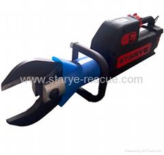 Hydraulic rescue battery cutter