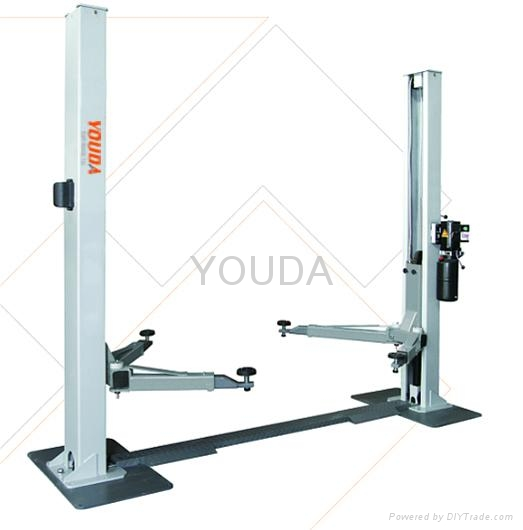 2 post hydraulic car lift with 3.2T/4/0T capacity 1