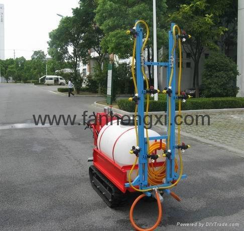 Self-propelled boom sprayer 4