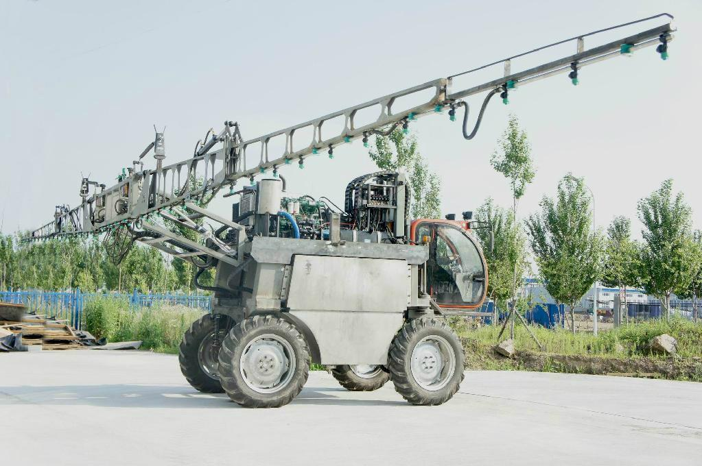 High clearance self propelled type boom sprayer 3WZ-1500 5
