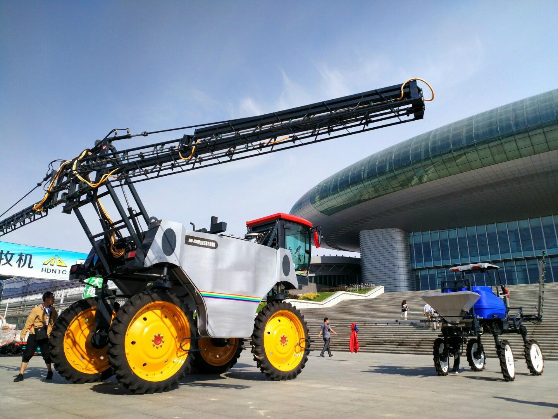 大型高地隙農用噴霧機 1