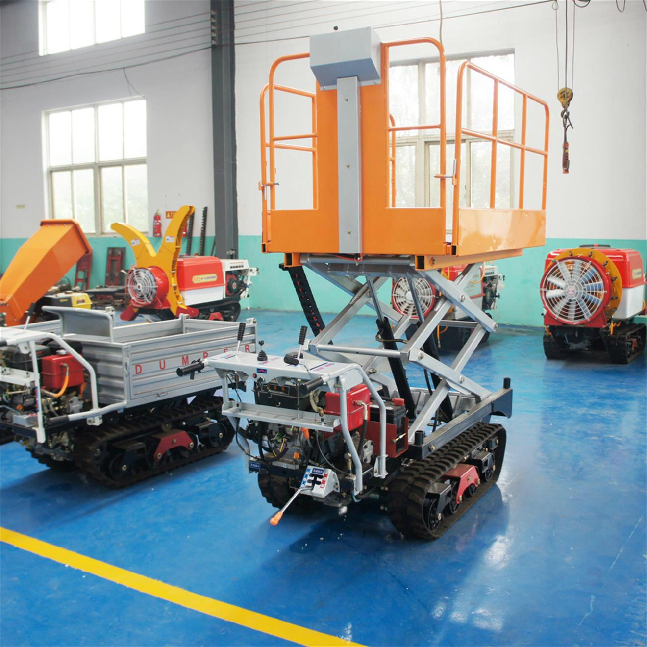 Crawler type dumper with lift container, Hydraulic Scissor lifter 4