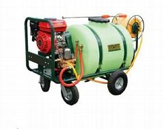 Hand propelled power 160L sprayer